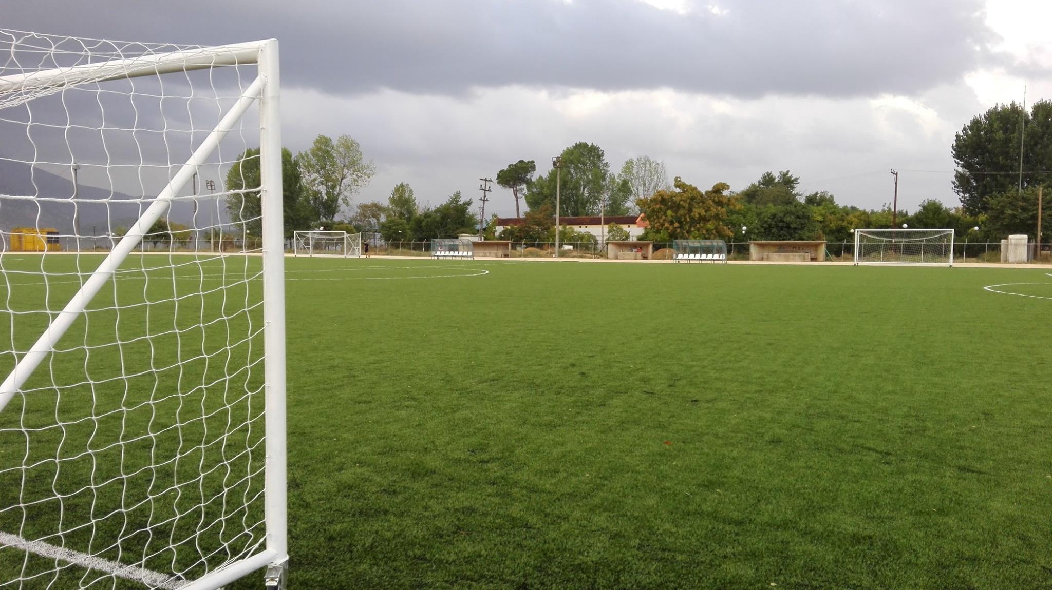 Αποτέλεσμα εικόνας για Γήπεδο ποδοσφαίρου με χλοοτάπητα